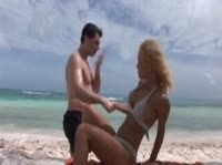 Анальный секс на песчаном пляже