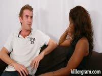 Девушка нашла утешение в парне