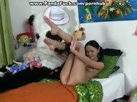 Панда трахает хорошенькую милашку