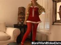 Грубая дрочка в новогоднем костюме