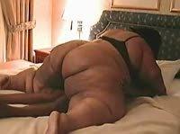 Негр имеет гигантскую жирную тётку