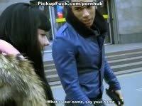 Парню удалось познакомиться с девушкой